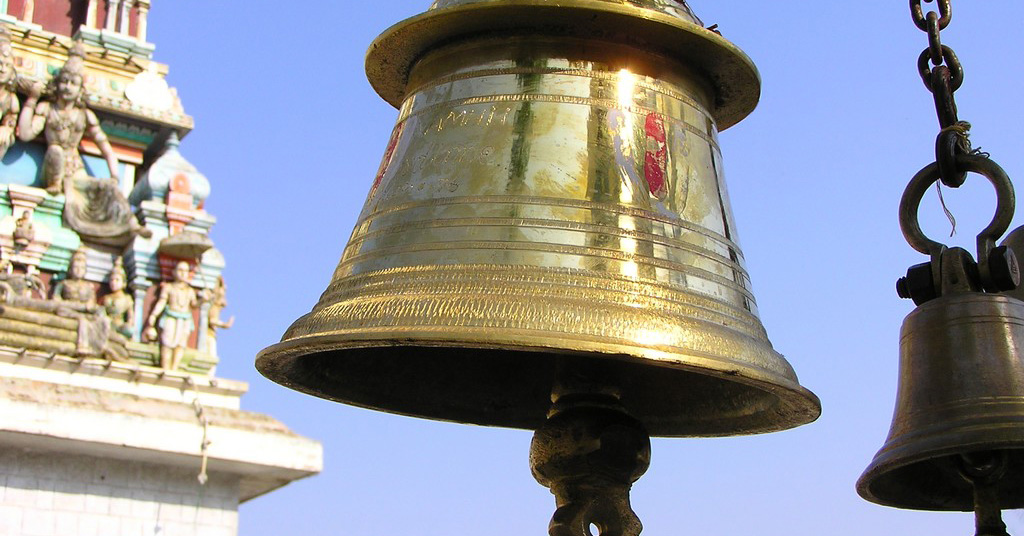 Why-do-temples-have-bells-1-1