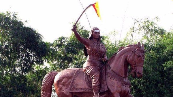 Kittur-Rani-Chennamma-statue