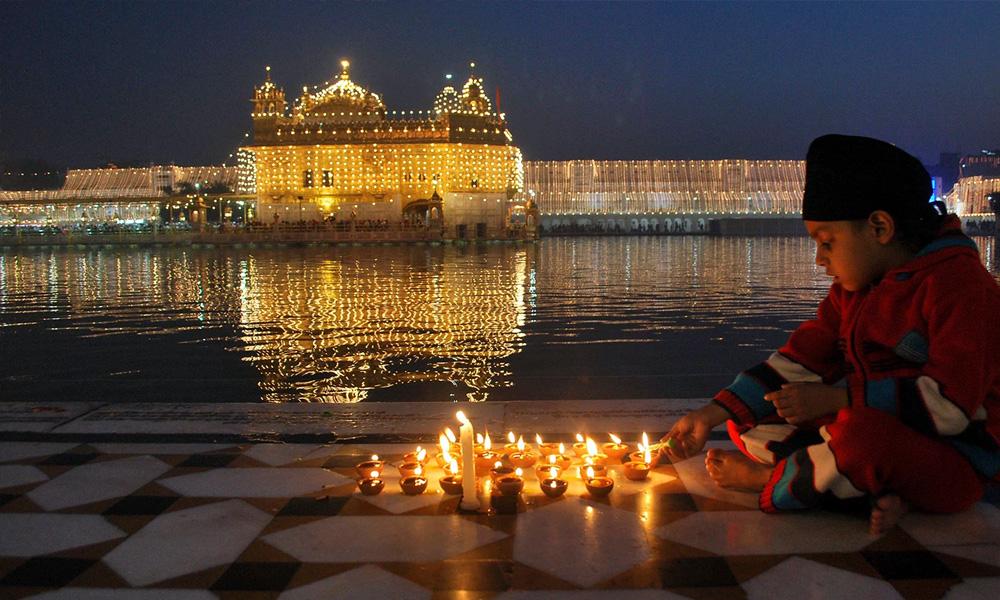 Significance of lighting Diya